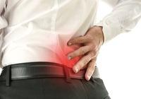 関節の痛みから次第に背骨が動かなくなる「強直性脊椎炎」の恐怖! 日本では1万人に4人が発症