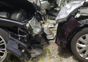 正面衝突事故で最も多く生き残るのは「大型車」に乗る「若い男性」!