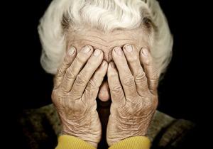 高齢者の自殺を考える:身体面だけでなく精神面を含めたケアが必要!