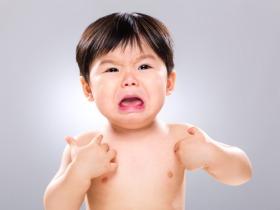 赤ちゃんの泣き声は騒音か?  東京都では条例改正を検討中