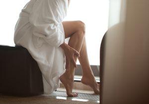 女性の約8割が訴える「重だる脚」は、これからの季節がピーク! そのまま放置すると危険な病気に......