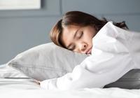 1日8時間以上の睡眠が脳卒中リスクを上昇! 急な睡眠増加は発症の予兆?