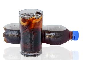加糖炭酸飲料1日1杯で糖尿病リスクが22%上昇、4.6年分の老化も進む