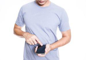 肩こり、めまい、頭痛、腰痛.....その原因は新たな現代病「スマホ巻き肩」かも!?