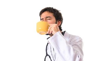 医師が常用する薬で多いのは降圧薬と脂質異常症治療薬、ロキソニンも人気!