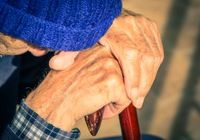 介護者を置き去りにした法改正、他者に頼りたがらない男性介護者はさらに孤立する