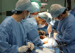 医療ドラマ『死の臓器』で小泉孝太郎が直面した現実とは何だったのか?