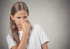 オナラや便がクサイときは腸内で悪玉菌が増えている! 体臭や口臭の原因になることも