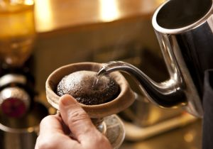 コーヒーは朝だけに飲む、「早寝早起き」ができるのはこの方法!?