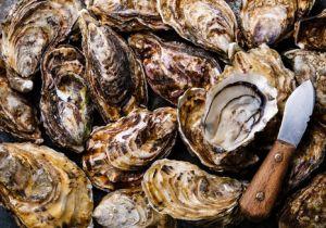 冬に大流行のノロウイルス対策は? 危険なのは二枚貝だけでなく感染者の吐瀉物なども
