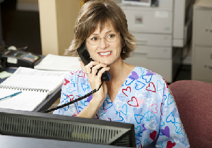 医師不足を救う医療クラークは女性の新しいキャリアとなる!