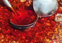 安全な「市販ラー油」の選び方は? 「天然色素」の表示にダマされてはいけない