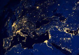 夜間の屋外照明が「睡眠の質」を落とす!? 都市部ほど深刻な「光害」問題