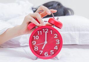 「早起きは三文の徳」に論争勃発? あなたの時計遺伝子が朝型・夜型を決める
