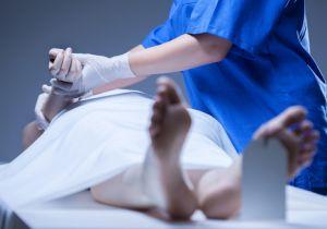 病理医・解剖医が不足している日本! 警察官が見抜けない事件が埋もれる可能性