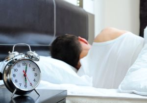 """""""寝すぎ""""や""""寝不足""""の男子は糖尿病予備軍に! 現代人の睡眠障害が糖尿病増加に関連か?"""
