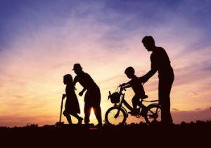 長生きには「親しき友」より「不仲な家族」が支えに? 家族仲が良いと死亡リスクが低下