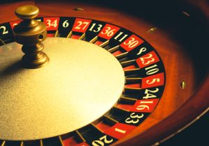 <勝っても負けてもやめられない>課題山積のカジノ法案で「ギャンブル依存症」が増加!?