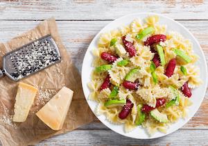 歌手スガシカオの異常な食習慣! 粉チーズで麺が見えないパスタ、ショウガまみれの牛丼……
