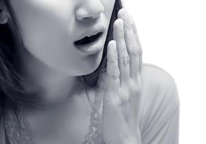 いくら歯を磨いても胃腸も悪くないのに「口臭」がする……そんな「喉口臭」の予防法・対処法は?