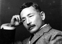 生誕150年の夏目漱石は、疱瘡、PTSD、パニック障害、糖尿病、胃潰瘍など病魔と苦闘した49年!
