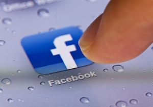 医師の「SNS」投稿は守秘義務に抵触? Facebookに患者名入りの検査画像の投稿も