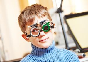 「強度近視」で失明! 網膜剥離・緑内障などを引き起こす<近視の危険性>