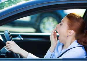 居眠り運転での交通事故は47%!「人工知能」が眠気を検知して「眠くならない車内」に
