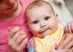 アレルギー予防のためにはいつから離乳食を始めるのがいいのか?