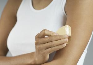 スキンパッチ(貼り薬)で 腹部の脂肪が20%も縮小! マウス実験で確認
