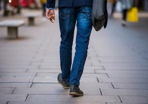 <ネット注文>便利さの弊害? 20代男性の「おでかけ」30年で半減~70代を下回る!