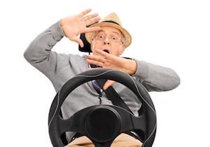 高齢者が免許返納を心に決めるきっかけとは? 3万以上が認知症ドライバーの時代に