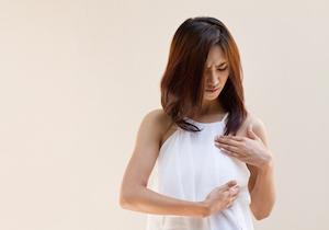 バストに不満がある女性ほど「乳がん」セルフチェックをしていない!早期発見が生死を分ける!