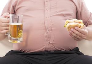 気をつけたい「夕暮れ太り」!  夕方から夜は過食に走りやすい魔の時間帯