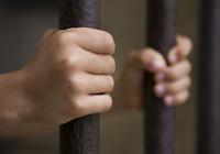精神疾患の子を監禁し続けた2つの事件〜なぜ親たちは適切な医療を受けさせなかった?