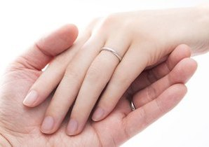 結婚が健康に良い理由は……既婚者の心臓病・脳卒中の発症&死亡リスクが減少