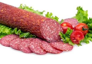 サラミやソーセージなどの添加物が躁病の原因に? 加工肉の「硝酸塩」の影響とは?