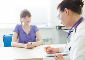 患者は医師にウソをつく――虚偽の申告は費用負担増や誤診の危険性も