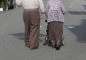 高齢社会のコミュニティーで<健康第一>を共通価値にすると排除が起きる!?