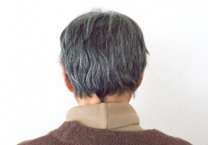 綺麗なグレイヘアは難度が高すぎる! 白髪染めで髪を傷ませないコツとは?