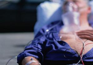 心筋梗塞は1時間以内の救急処置が要 旅行中でも15分以上続く痛みは躊躇せず電話を