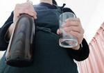 飲む前に服用するだけで酒量が減る? アルコール依存症の新薬がついに発売開始