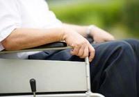 高齢者の虐待が日米で急増、介護者自身をケアすることが急務