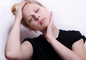 画像診断できない難治性のむちうち症を独自の治療法で改善