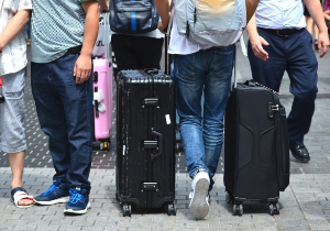 外国人労働者・旅行者による未払い医療費には医療通訳が有用