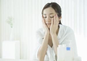 化粧水のもっとも効果的な使い方とは? 潤い度が格段にアップする塗り方おさらい