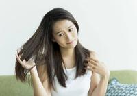 """髪のうねりや広がりは""""頭皮と髪の変化""""が原因! 5つの解決策を紹介"""