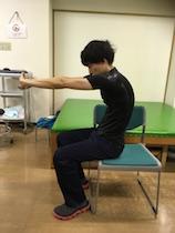肩凝りを「肩甲骨はがし」で治す! セルフケアのポイントは「伸ばす・動かす・鍛える」の画像4