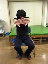 肩凝りを「肩甲骨はがし」で治す! セルフケアのポイントは「伸ばす・動かす・鍛える」の画像3