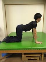 肩凝りを「肩甲骨はがし」で治す! セルフケアのポイントは「伸ばす・動かす・鍛える」の画像5